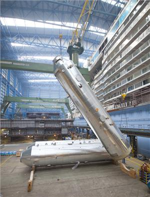 Yara Marine scrubber installation at Meyer Werft (Photo: Meyer Werft)